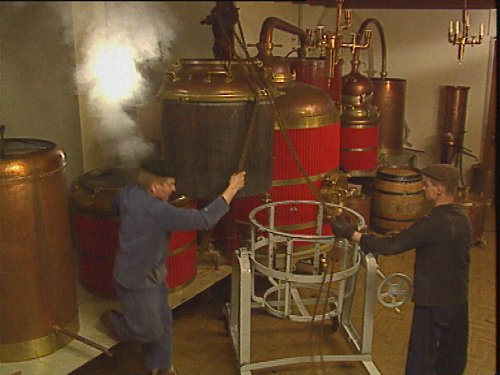 La_distillation_chez_Guy