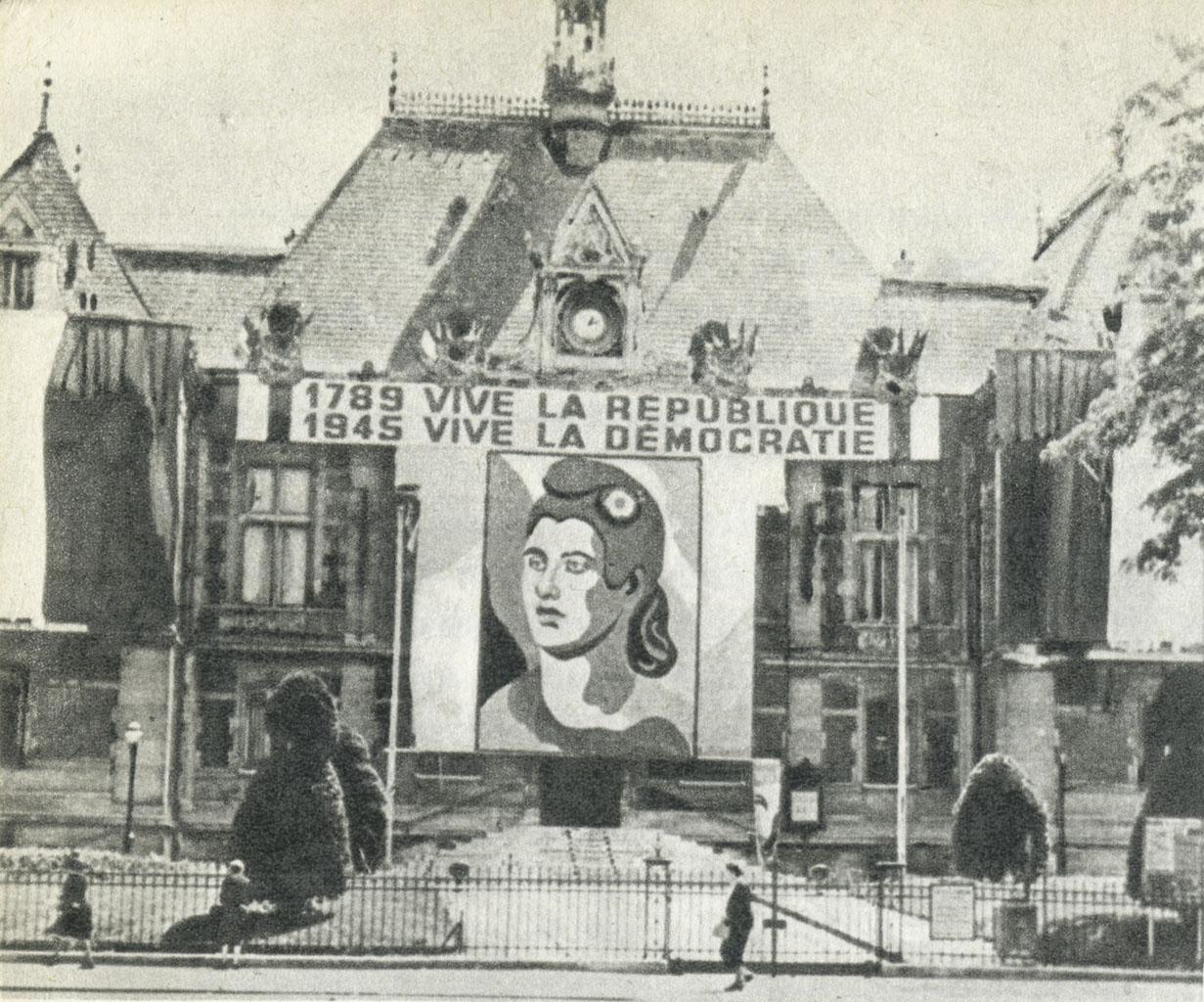 1945 Photo dans Mémoires Nadia Léger Coll BN